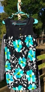 AGB size 8 dress Floral Pattern easy care pockets!